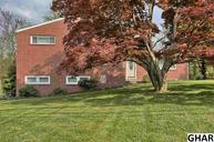5692 Devonshire Heights Road Harrisburg PA, 17112