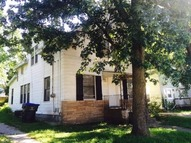 902 1/2 W. Washington Bloomington IL, 61701