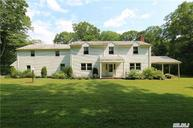 330 Muttwn Eastwoods Rd Syosset NY, 11791