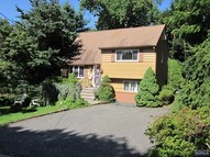 125 Split Rock Ln Park Ridge NJ, 07656
