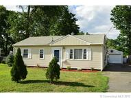 20 Walnut Cir Windsor Locks CT, 06096