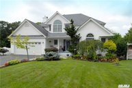10 Rolling Wood Ct Hauppauge NY, 11788
