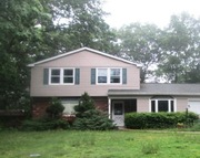 9 Welbourn Ln Coram NY, 11727