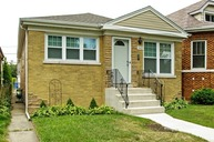 5022 North Kolmar Avenue Chicago IL, 60630
