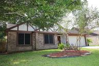 2006 Pinola Ct League City TX, 77573