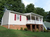 15610 Roland View Dr Chester VA, 23831