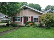 124 Barrypoint Road Riverside IL, 60546