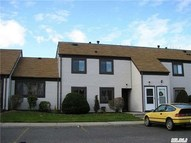84 Gauguin Ct 84 Middle Island NY, 11953