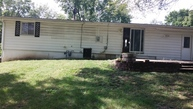 5909 N Michigan Pl Gladstone MO, 64118