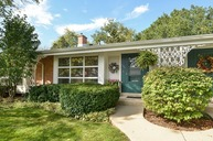 606 Carriage Hill Drive Glenview IL, 60025