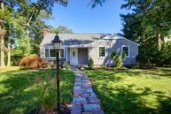 360 Lakeview Ave Brightwaters NY, 11718