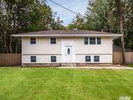 6 Tremont Ave Brentwood NY, 11717