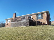 312 Walker St North Tazewell VA, 24630