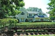 6 The Overlook Setauket NY, 11733