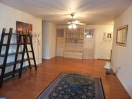 1637 Oakwood Dr #S204 Narberth PA, 19072
