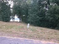 33 Forrest Xing Waverly TN, 37185