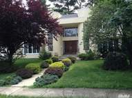 24 Warwick Rd Great Neck NY, 11023