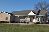 402 E Franklin Sesser IL, 62884