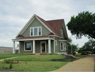 511 N Broadway St. Weatherford OK, 73096