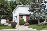 18 Earl St Floral Park NY, 11001
