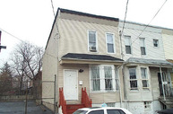 18-1/2 Wright Str Newark NJ, 07114