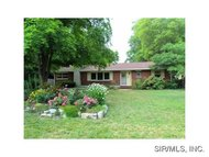 124 Crestview Drive Wood River IL, 62095