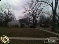 301 Oakland St Holly MI, 48442