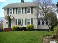 45 Maple Pl Huntington NY, 11743