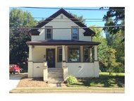 30 N 12th St Clintonville WI, 54929