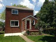 1527 Windcrest Dr Pittsburgh PA, 15206