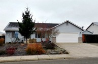 138 Nw Pintail Ave Winston OR, 97496