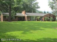 214 Park Dr Narrows VA, 24124