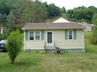 520 Poplar St Narrows VA, 24124