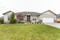 10419 Oak Ct. Pasco WA, 99301