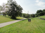 165 Lee Way Chester WV, 26034