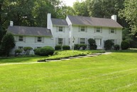 33 Stony Brook Road Darien CT, 06820