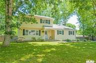 151 Oakland Ave Miller Place NY, 11764