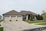 4561 Beach Ln S Fargo ND, 58104