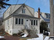253 4th St East Northport NY, 11731