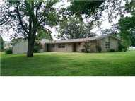 16 West Grandview Rd Wellington KS, 67152