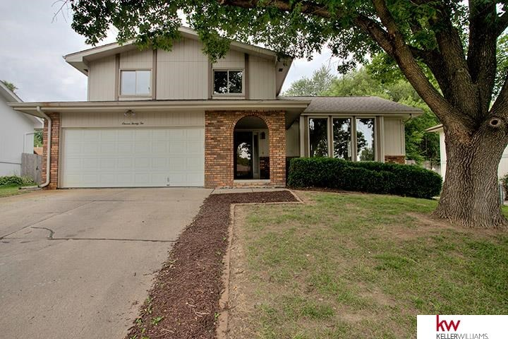 1122 Michelle Pkwy Papillion NE, 68046