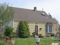 25 Ring Ln Levittown NY, 11756