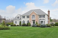 6 Spring Hunter Ct Green Township NJ, 07821