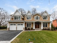 38 Sycamore Dr Roslyn NY, 11576