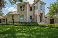 5009 Holly St Bellaire TX, 77401