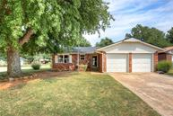512 S Forest Court Drive Mustang OK, 73064