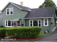 6 Meadow Ln Adams MA, 01220