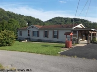 844 Winter Avenue Weston WV, 26452