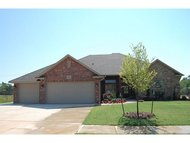 3001 Lochinver Dr Norman OK, 73069