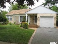 25 Lawrence St New Hyde Park NY, 11040